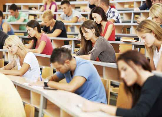 Με το εθνικό απολυτήριο η εισαγωγή στα Πανεπιστήμια