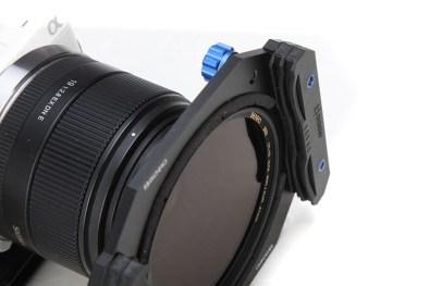 Het polarisatiefilter van Benro zit in de filterhouder.