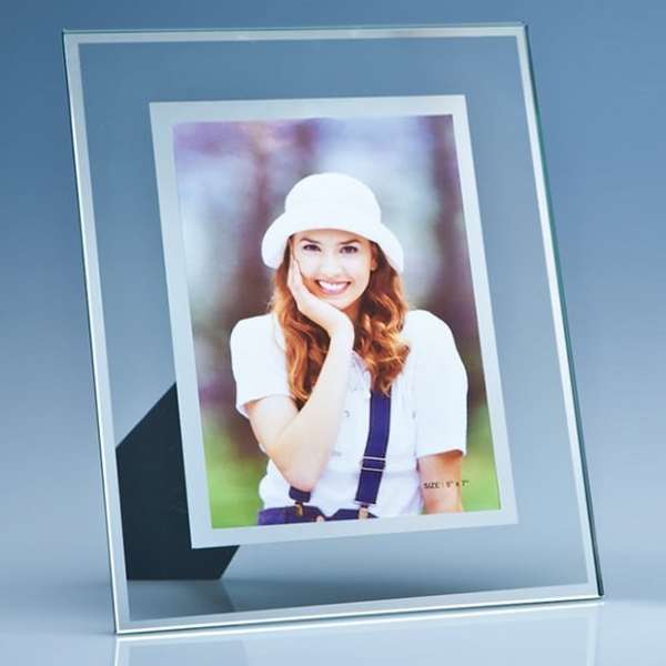 "Clear Glass Frame with a Mirror Inlay for 5 x 7 Photo""""lear G"""