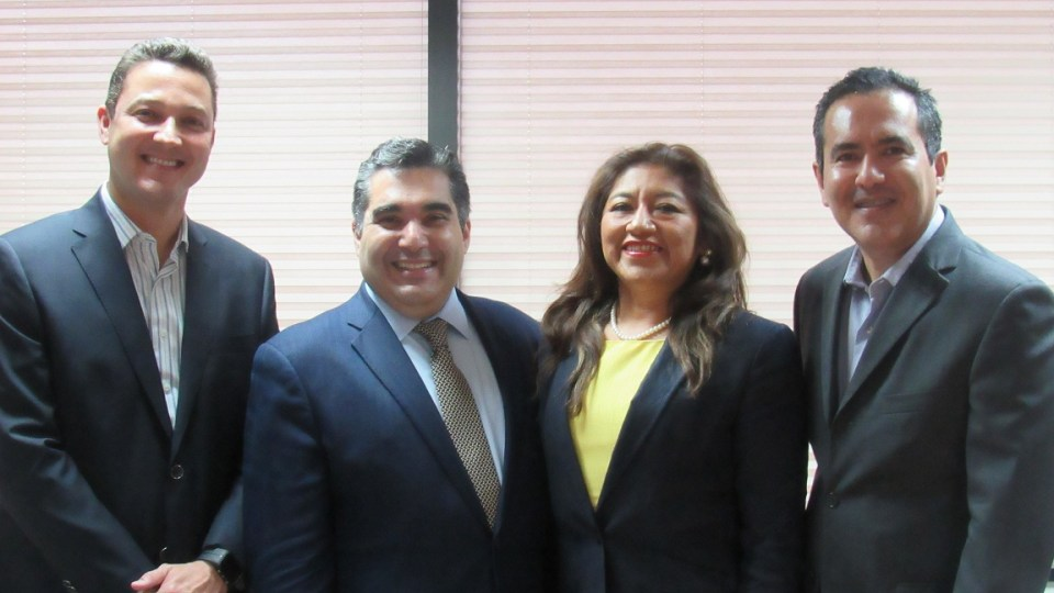 From left to right: Carlos Bueso, Rackspace Director of Channel Sales & Alliances, LatAm; Jean Carrasquel, Rackspace Strategic Channel & Alliances, LatAm; Elsa Ramirez, Praxis Director of Innovation, Edmundo Robert, Praxis Director General