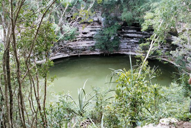 Cenote_brunnen_Chichen_itza
