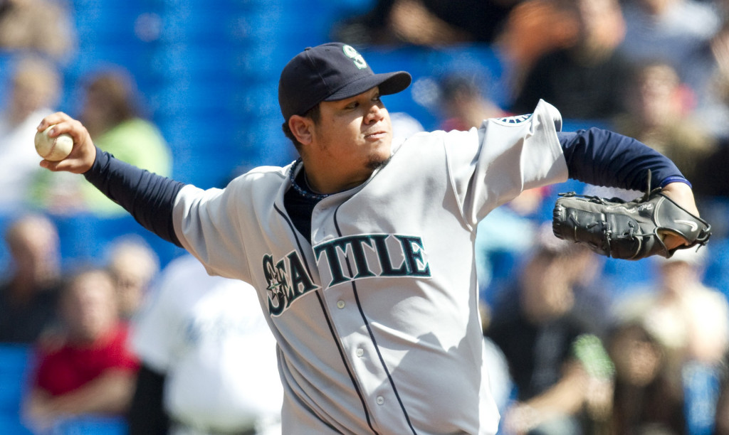 Felix Hernandez pitching for the Seattle Mariners, 2013-2014 wallpaper
