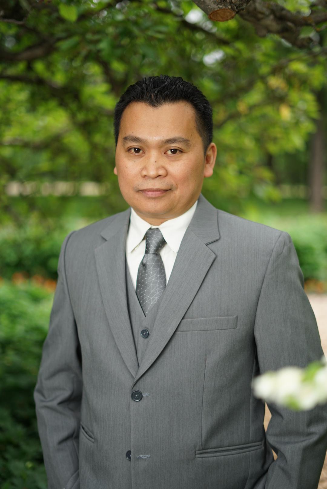 Winnipeg financial advisor - Ramon Desiderio