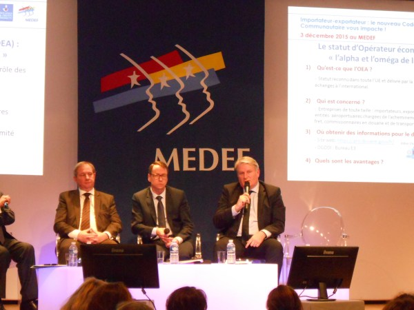 medef-douane-colloque-table-ronde-n-1