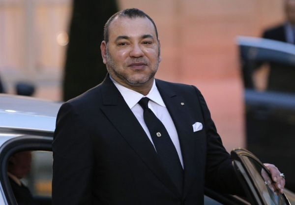 4573824_6_6576_morocco-s-king-mohammed-vi-poses-as-he-leaves_2499ed2851b6458b3575baaf0e1729b4
