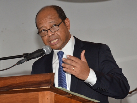 Alain rasolofondraibe, gouverneur de la Banque centrale