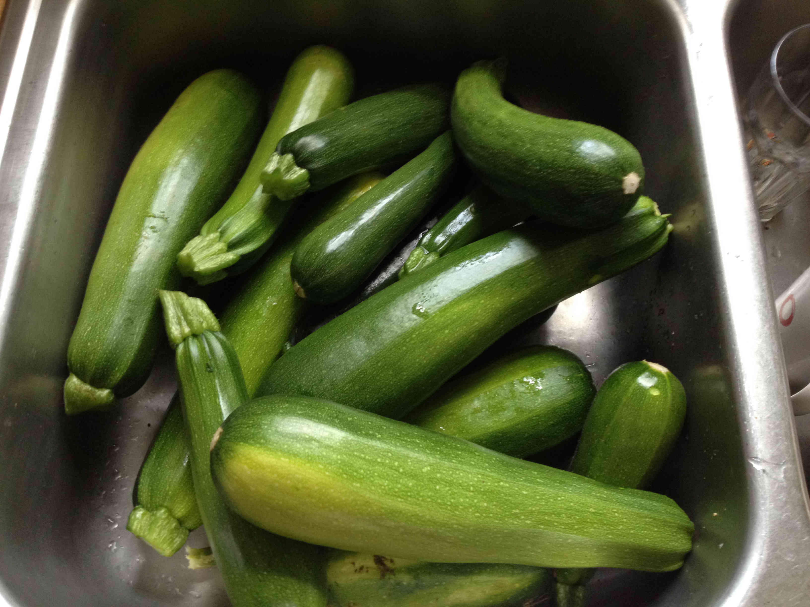 How to Make Dill Zucchini Pickles