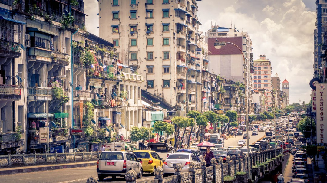 Traffic and taxis in downtown Yangon