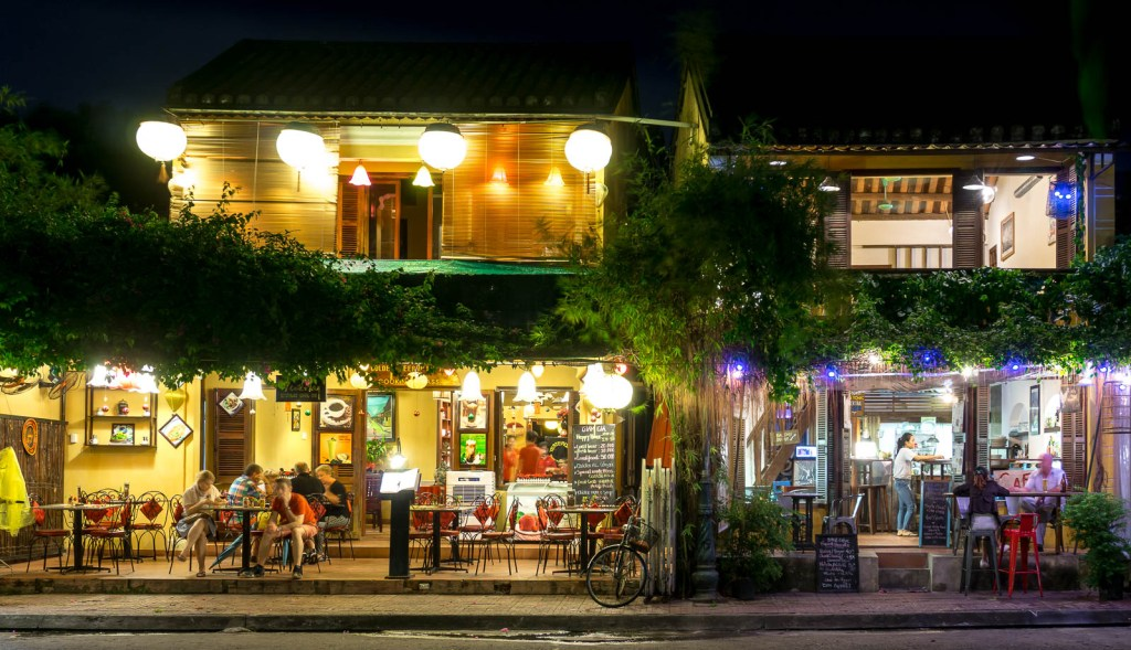 Cafes at night in Hoi An