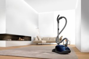 Miele S8590 Marin Canister Vacuum Review – Best Canister Vacuum 2020