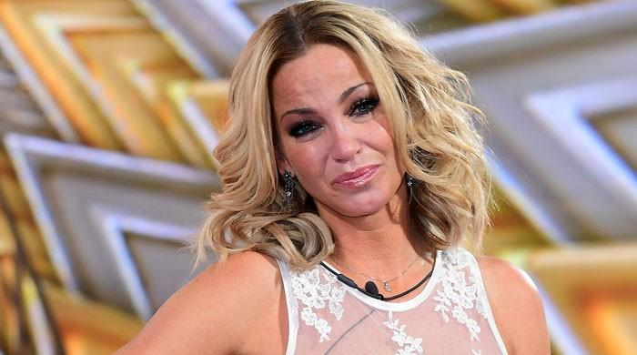 Sarah Harding, Girls Aloud's singer, reveals she has breast cancer