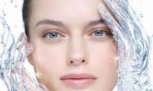 5 Effective Ways To Moisturize Your Skin Naturally