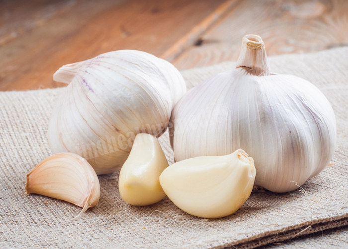 Garlic for Blood Clots during Period