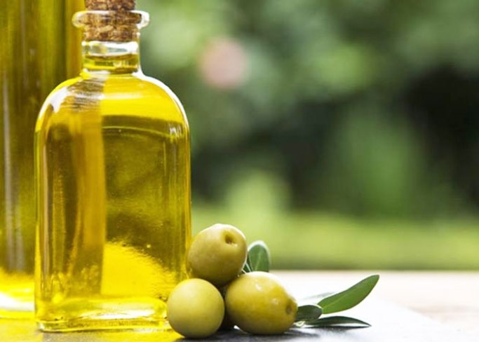 Olive-Oil-to-Relieve-Back-Pain