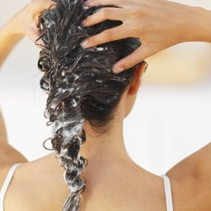 Avoid Frequent Shampooing