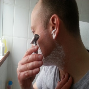 Shaving in right direction