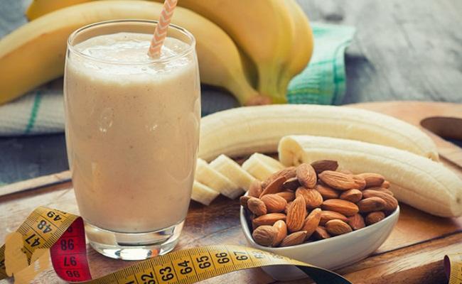 Banana Almond Smoothie