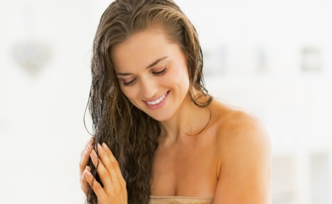 Applying Oil On Your Hair Daily