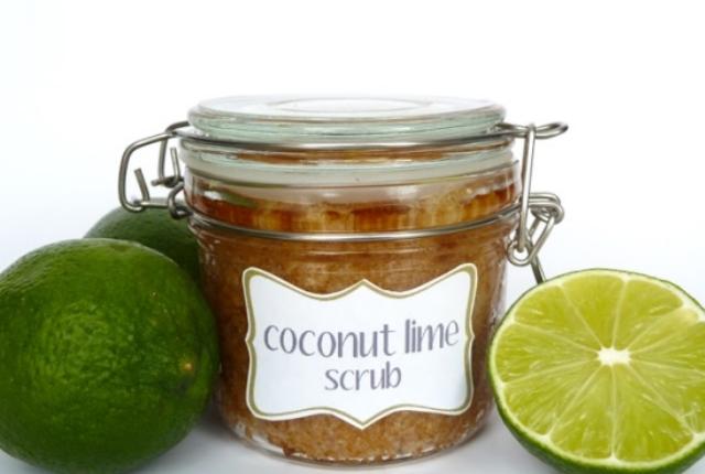 Coconut Oil, Lime Juice And Sugar Scrub