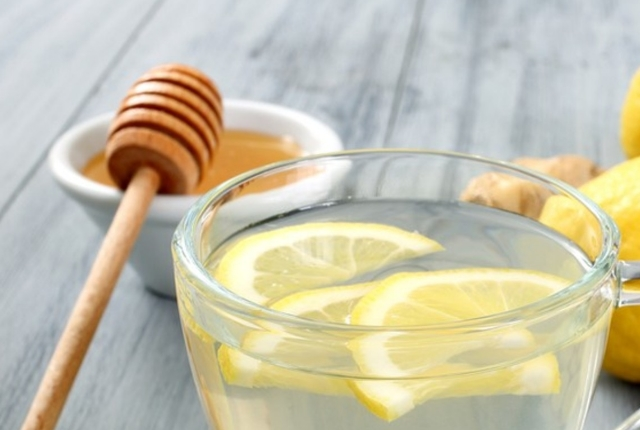 Water With Honey And Lemon Juice