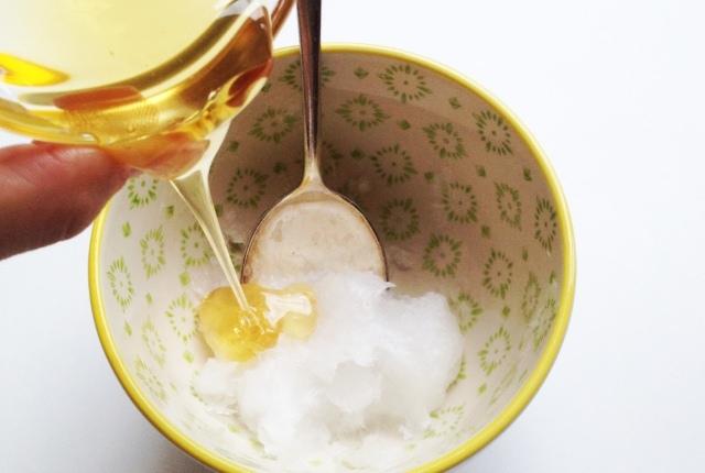 Baking Soda, Honey And Coconut Oil