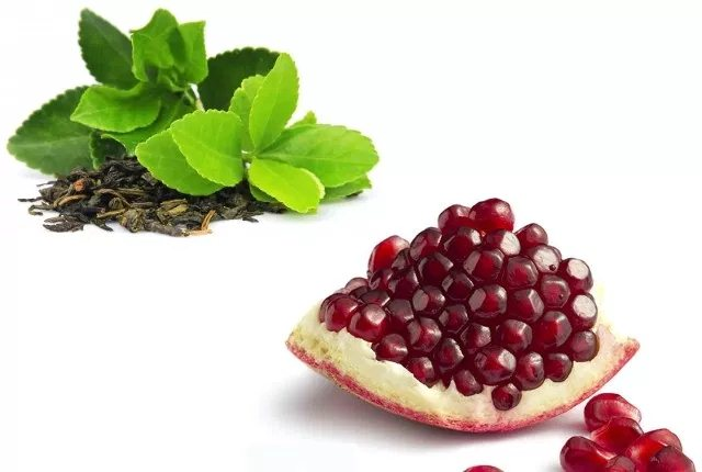 Pomegranate And Green Tea Face Pack