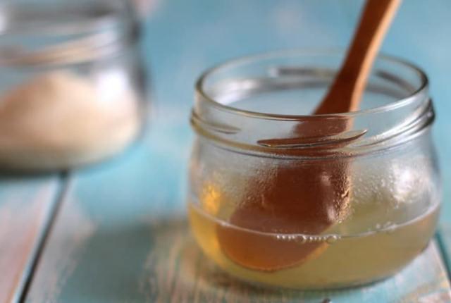 Almond Oil With Gelatin Powder