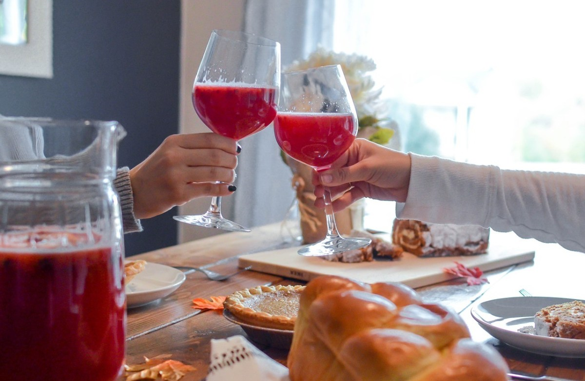 Hone your Dinner Party Hosting Skills with these Tips
