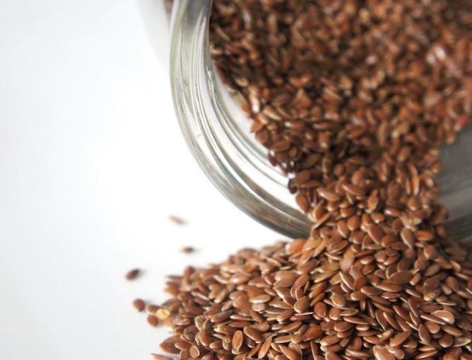 DIY Flaxseed Face Mask to Minimize Face Pores