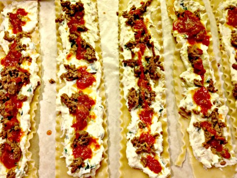 lasagna roll ups with meat sauce