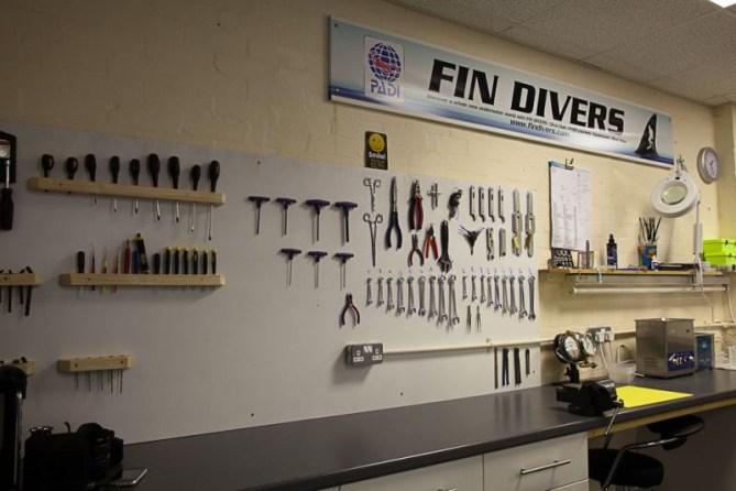 Fin Divers Service Centre