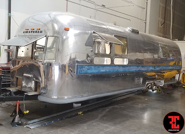 airstream-restoration-findlay-customs-las-vegas-