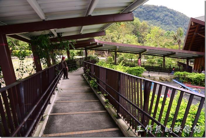 《高雄旅遊》[那瑪夏]民權國小,擁有美麗與綠色建築的山林小學校   工作熊的玩樂生活誌