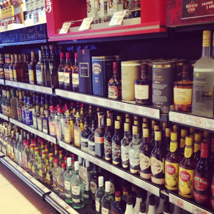 Booze-at-Umm-Al-Quwain