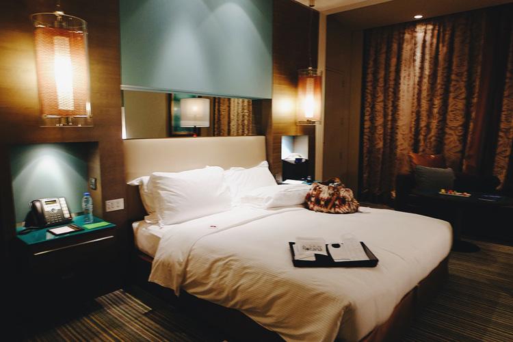 Park-Rotana-Hotel-Room