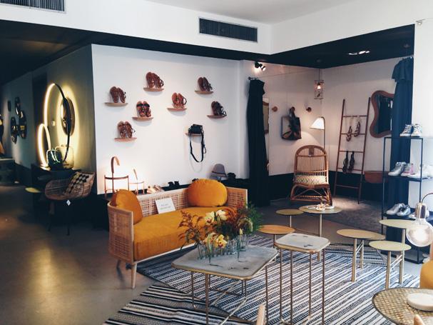 Arts-and-Crafts-Shop