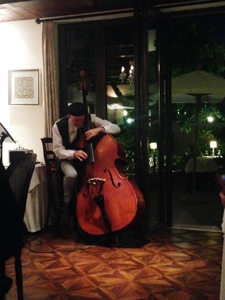 Italian musician in Dubai