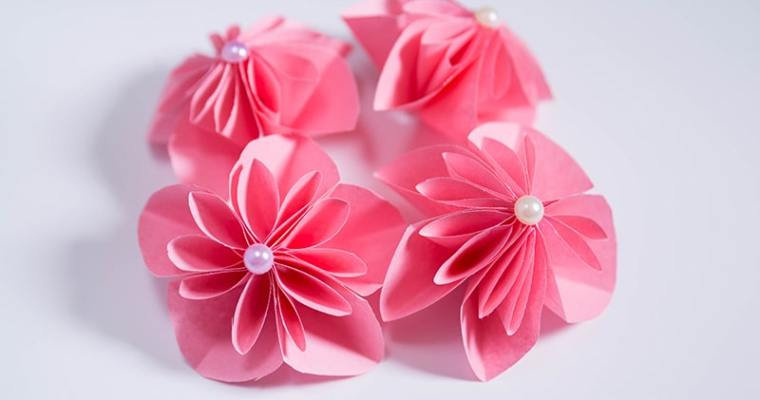 how to make pink paper flowers