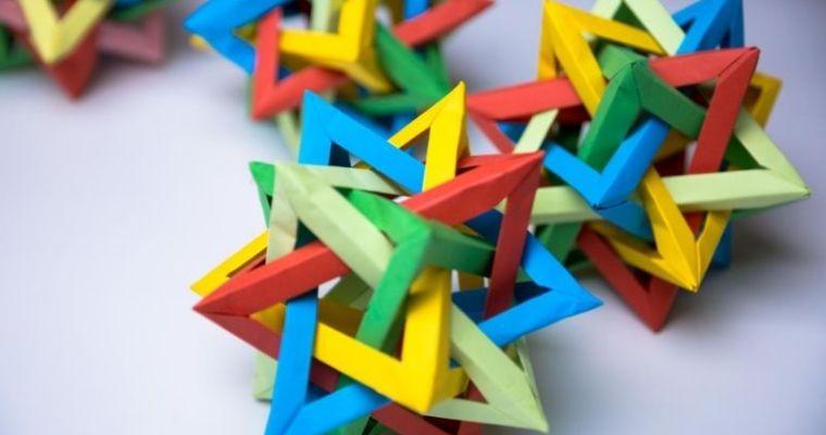 Five Intersecting Tetrahedra Origami