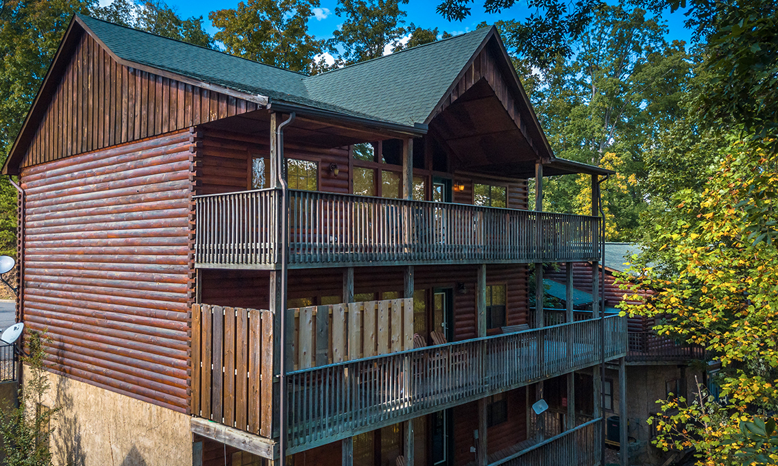 Wild Bear Lodge Place To Stay On Vacation 8 Bedroom Sleeps 28 In Pigeon Forge Tennessee 140548 Find Rentals
