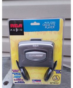 RCA Cassette player RP1812 with swichable bass boost AM FM radio 044319418125