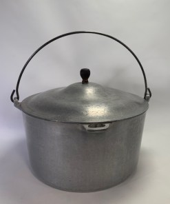 Vintage Cast Aluminum Dutch Oven Pot w lid, loop handle for campfire