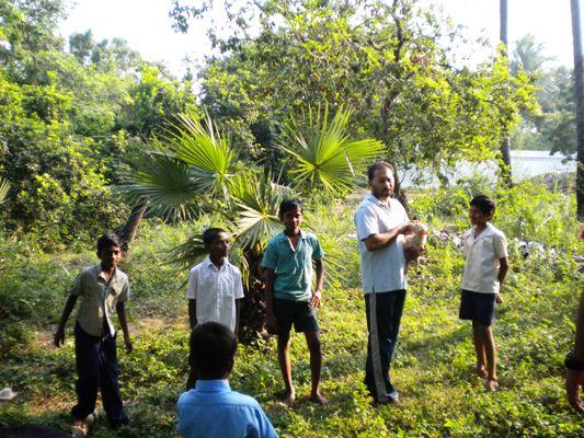 Padre Biju e i suoi bimbi