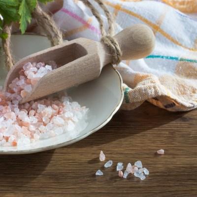 7 Reasons to Buy a Himalayan Salt Lamp