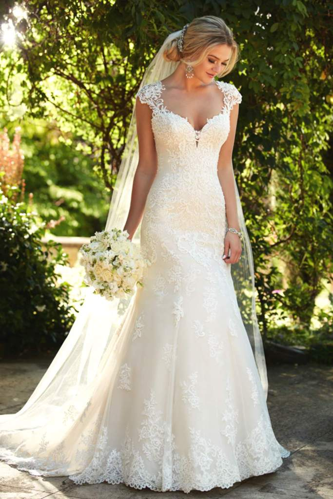 Style D2262 by Essense of Australia - Find Your Dream Dress