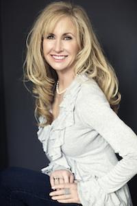 Lori McNee