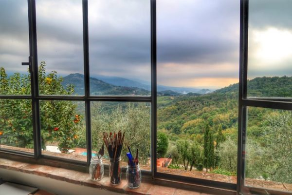 https://i0.wp.com/www.finearttips.com/wp-content/uploads/2018/02/Casa-Berti-studio-window-600x400.jpg?resize=600%2C400&ssl=1