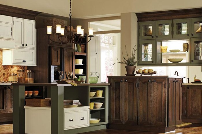 Fine Line Kitchen Designs is a Decora cabinet dealer