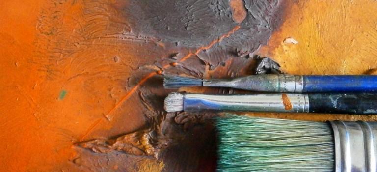 Идея за подарък за жена – живопис в топлата гама