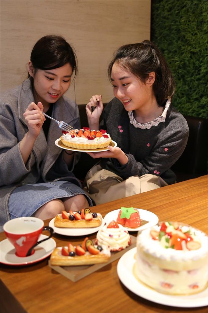 裕元花園酒店莓艷初春 推出風潮特色裸蛋糕迎戰草莓季